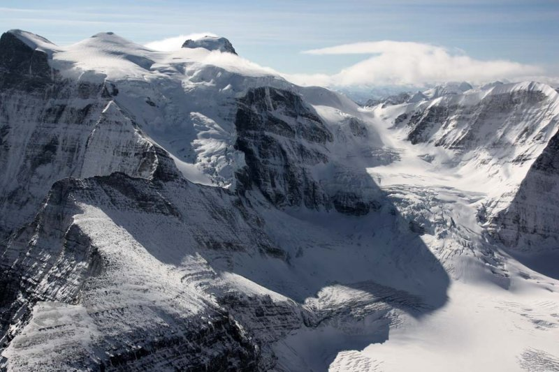 Lyell (L) & Alexandra Glacier <br> (Lyell-Alexandra-092808-_083.jpg)