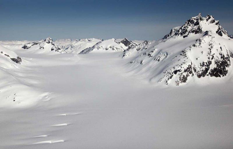 Upper Salmon Glacier & Pk 2478m/09-18, View NW <br> (CassiarCambria043009-_048.jpg)