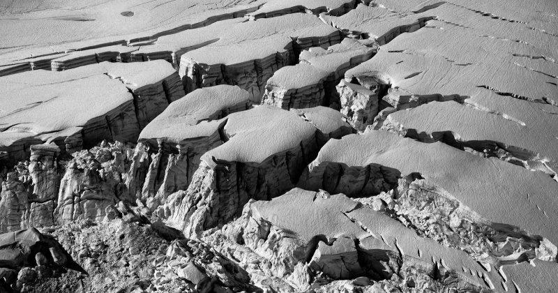 North Canoe Glacier:  Crevasses & Seracs <br> (NCanoeGl_092712_016-3.jpg)