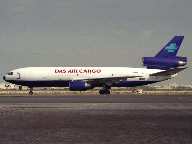 DC10-30F N355SJ