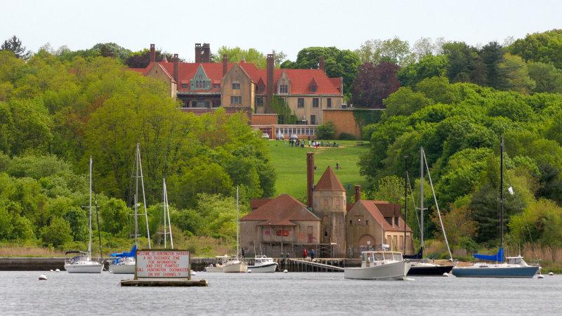 Coindre Hall & Boathouse, Huntington