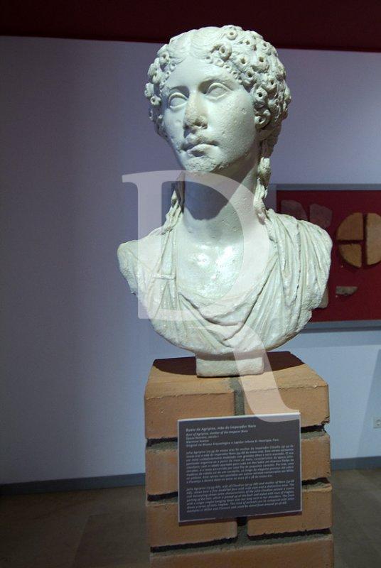 Busto de Agripina Minor