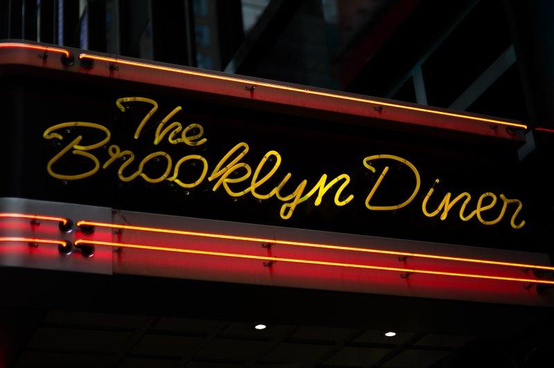 Brookly Diner Neon