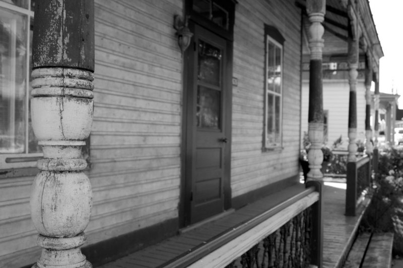 Front porch of a small house in Montebello, (Canada)