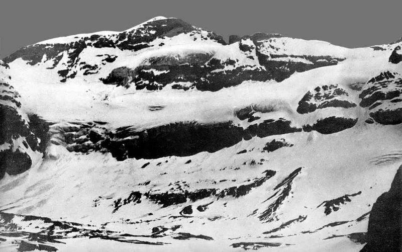 Mont-Perdu au clair de lune en 1902 - Photo offerte à R. Ollivier par L. Robach