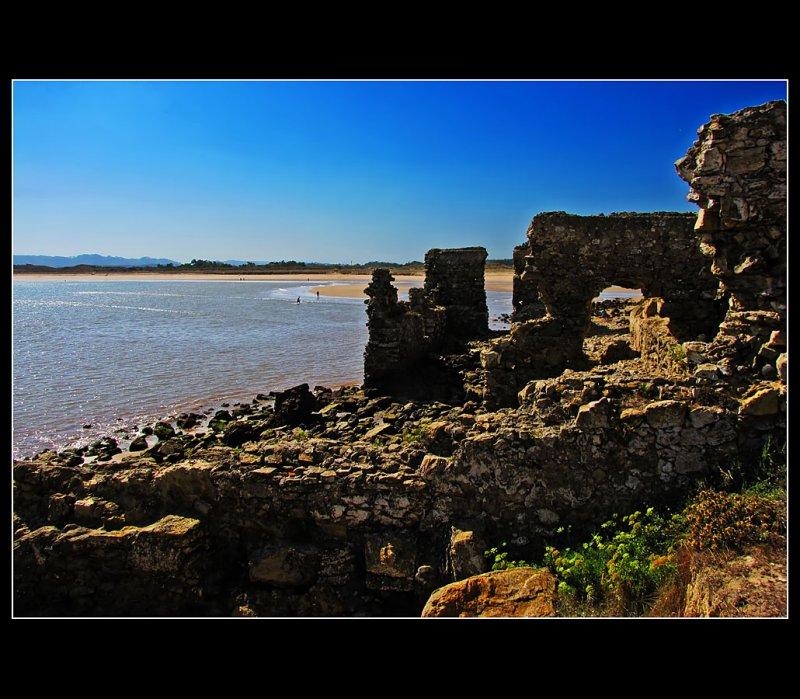 Walk to the sea water fountain ... 15
