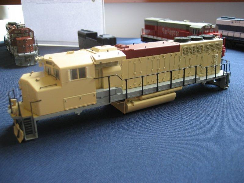 Pre-Prod. GP40-2L side