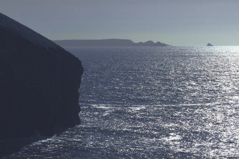 looking back to Rumps and Mauls from Trebarwith strand