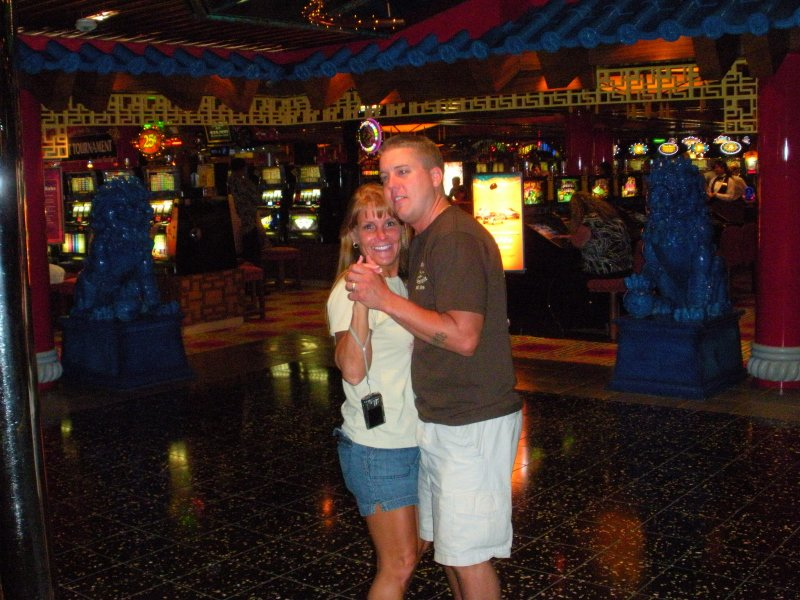 Gina & Billy dancing. Arent they a cute couple?