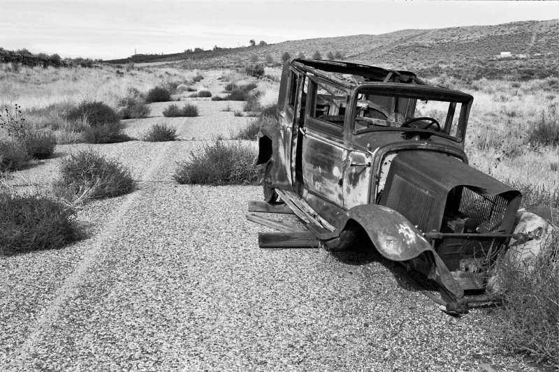 Bonnie And Clydes Old Ride ( Highway To Nowhere )