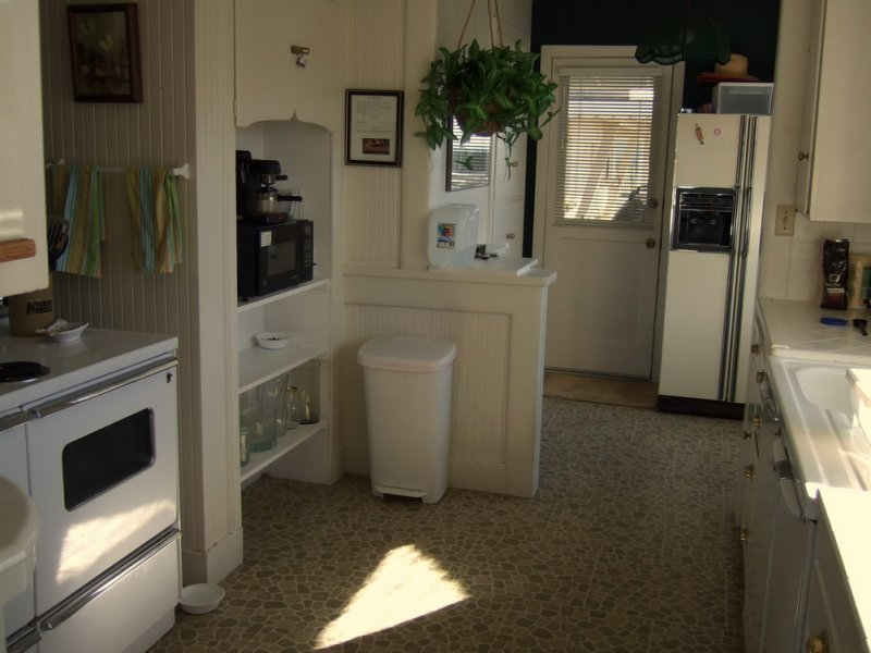 Kitchen at back of house