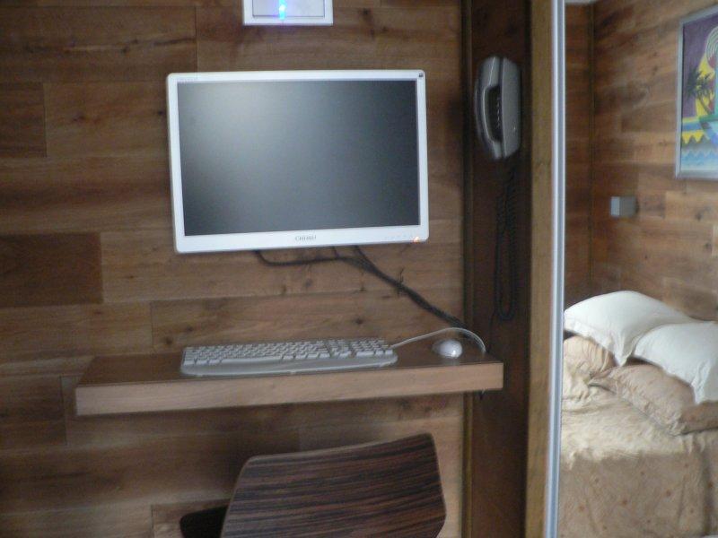 Computer in bedroom
