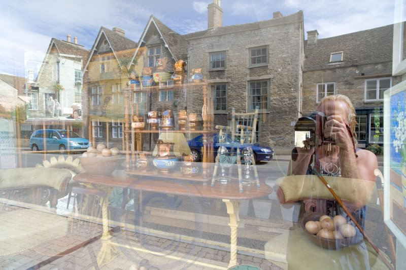 2340-through the antique shop