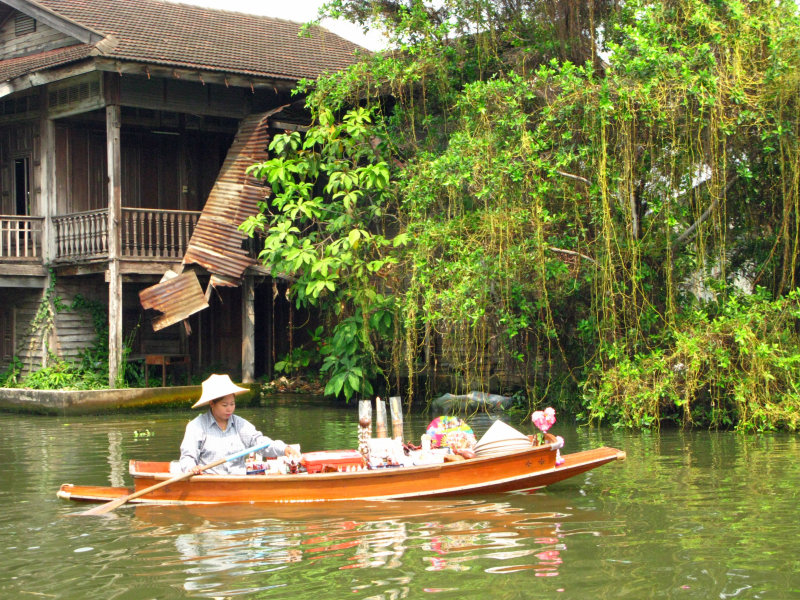 on the canals (klongs)/Bangkok