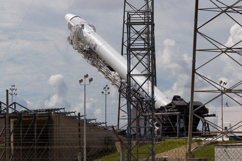 Dragon CRS1 (Falcon 9)