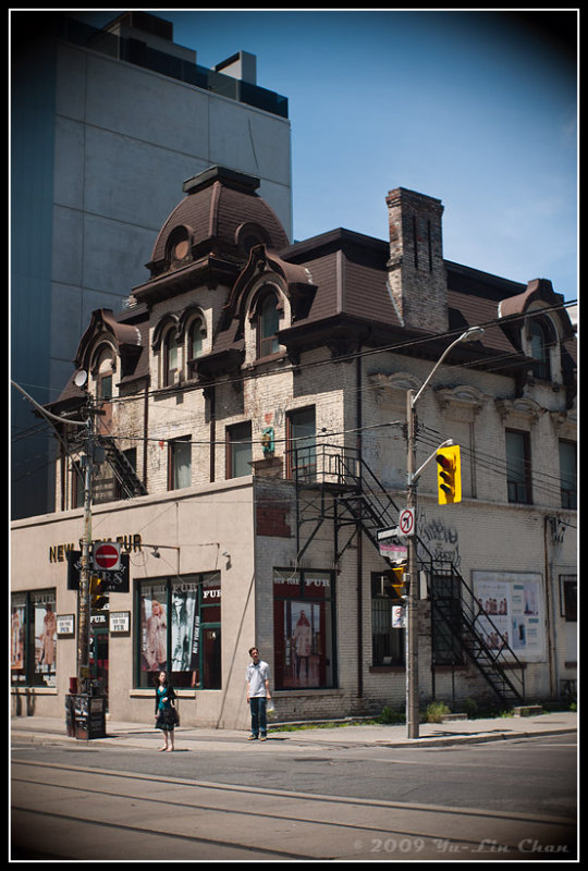 Old Building at Peter and Richmond Streets