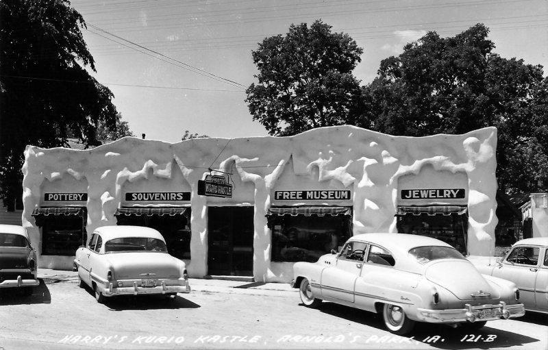 Harrys Kurio Kastle 1955