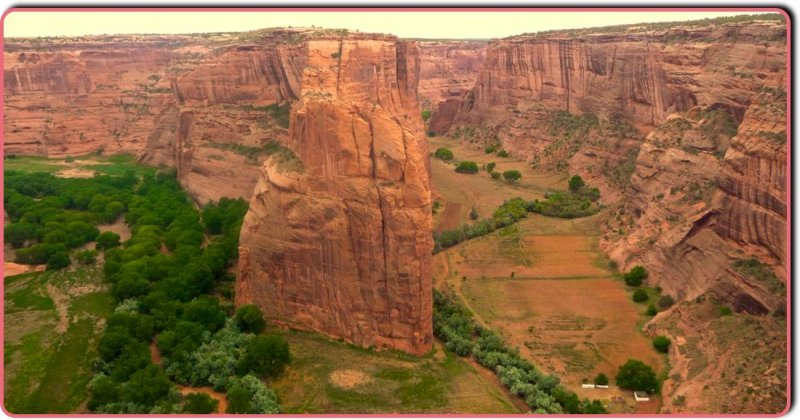 Junction of Monument Canyon and Canyon del Muerto (Canyon de Chelly)