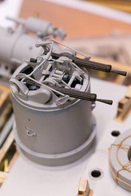 Kanontårnet, med 2 .303 Vickers maskingeværer, er igjen aldeles nydelig utført.