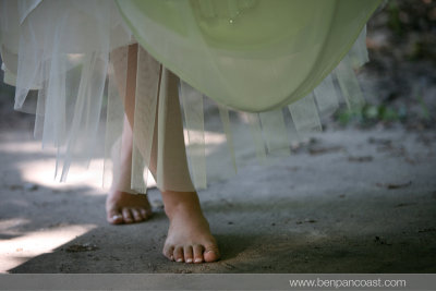 Beach Wedding, Detail, no shoes, barefoot wedding, wedding dress
