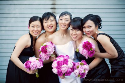 Bridal party wedding photos in downtown Chicago location.