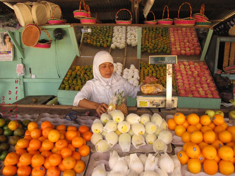 Scenic Fruit Stand and Owner