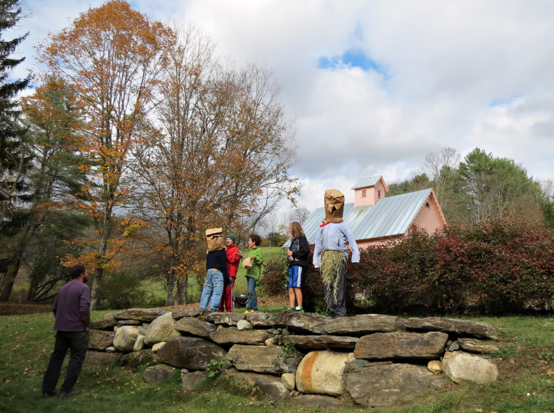 Live Scarecrows at the AppleFest