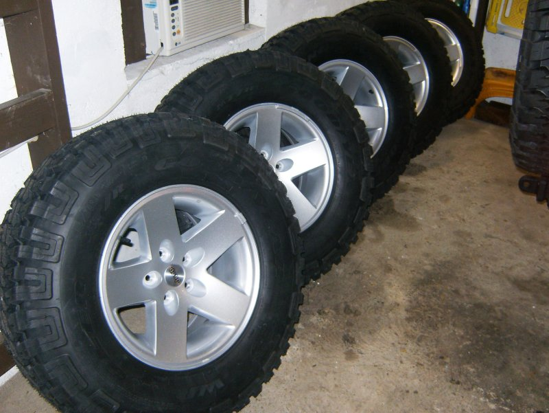 5 Rubicon Moab Wheels With Mt R S