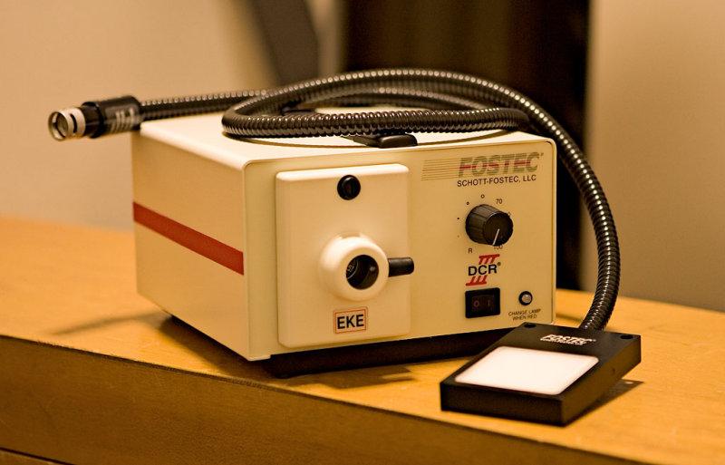 Schott-Fostec DCR III Light Source