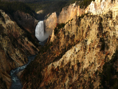 (Example A) Lower Falls of the Yellowstone River, 80mm short telephoto range, horizontal framing