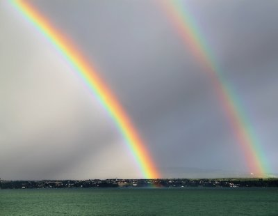 Two rainbows for one lake