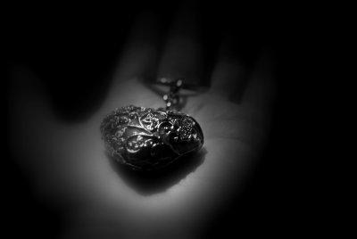 Le coeur sur la main...