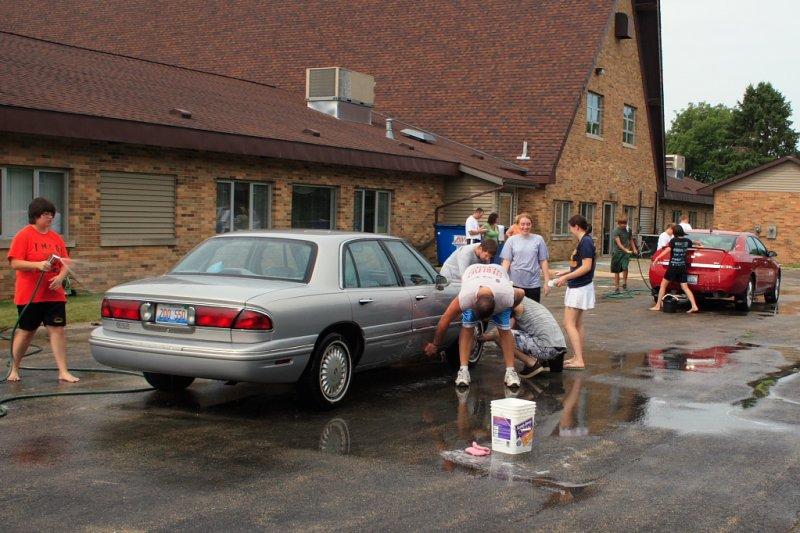 FCC Car Wash 2010 IMG 003.JPG