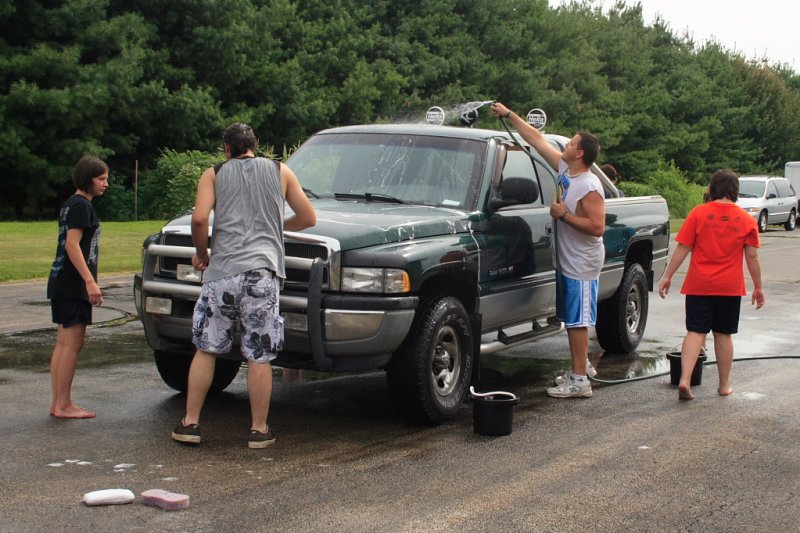 FCC Car Wash 2010 IMG 011.JPG