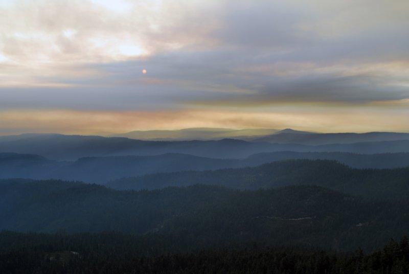 Yuba Fire sunset smoke 14 Aug 09