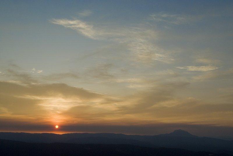 Smokey Sunrise Friday 28 Aug 09