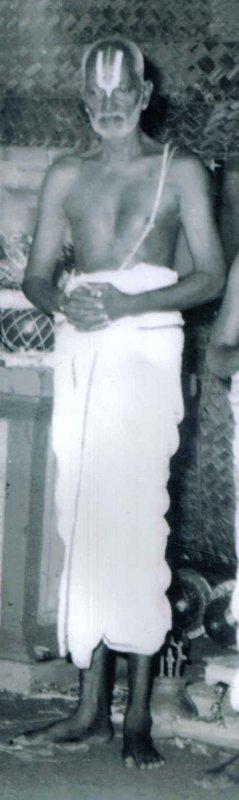 Sri.U.Ve.Thirunagari Embar Thiruvenkatachariar Swamy ( Siriya Swamy).jpg
