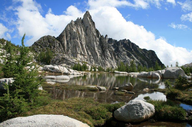 Prusik Peak reaches the sky