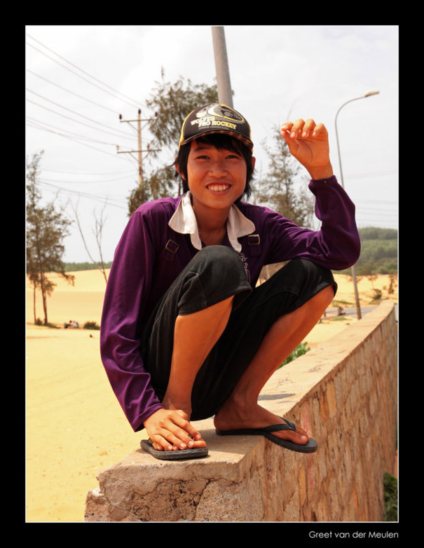 9840 Mui Ne, boy at sanddunes