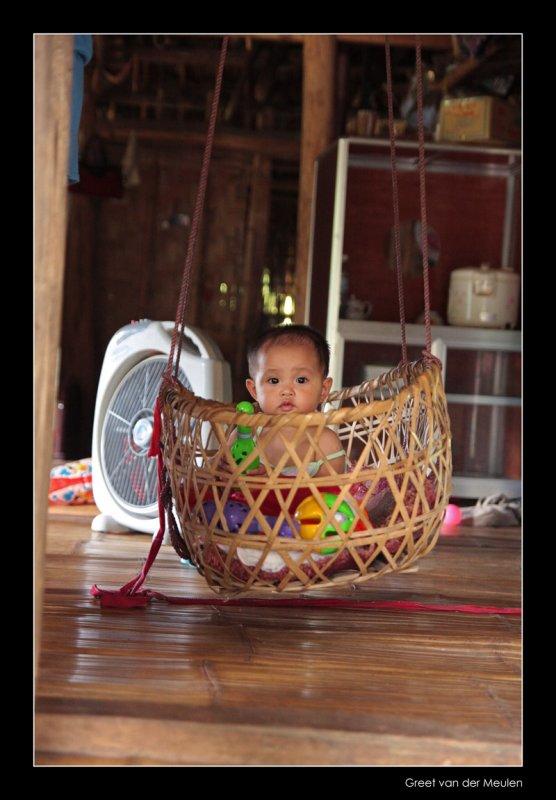 7467 Vietnam, baby in hanging babybox