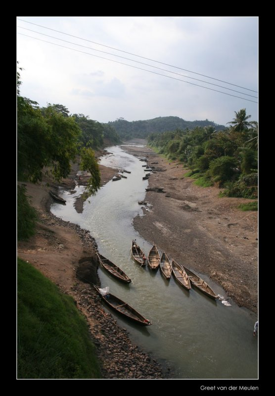 3272 Indonesia, river and small boats