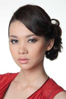 Revlon Laos Girl Mui