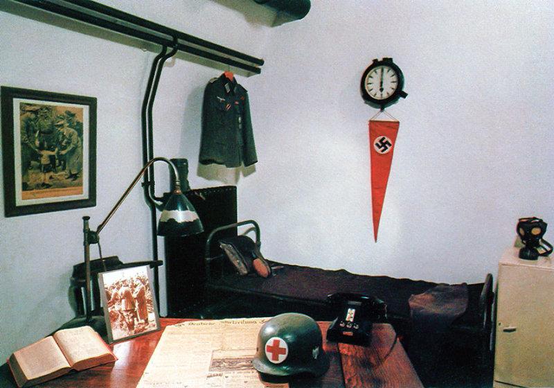 Jer_1983_021.jpg German Underground Military Hospital Officers quarters - St Lawrence - © A Santillo 1983