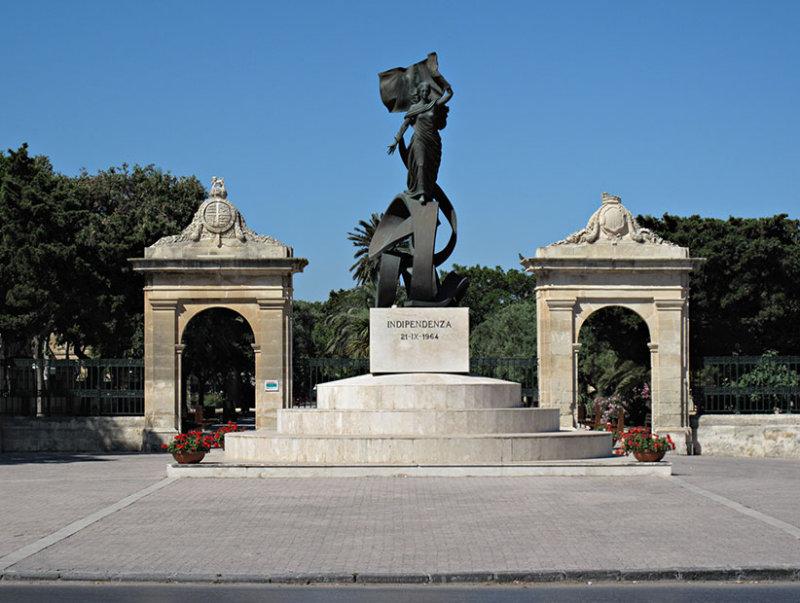 G10_0205.jpg Independenza Statue - Vjal Ir-Re Dwardu VII, Valletta - © A Santillo 2009