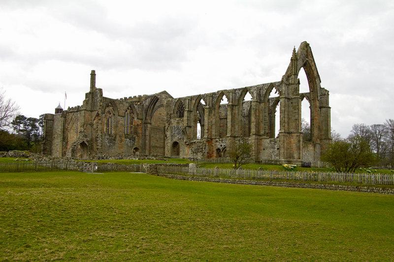 IMG_3784.jpg Bolton Abbey - Wharfedale, North Yorkshire - © A Santillo 2012