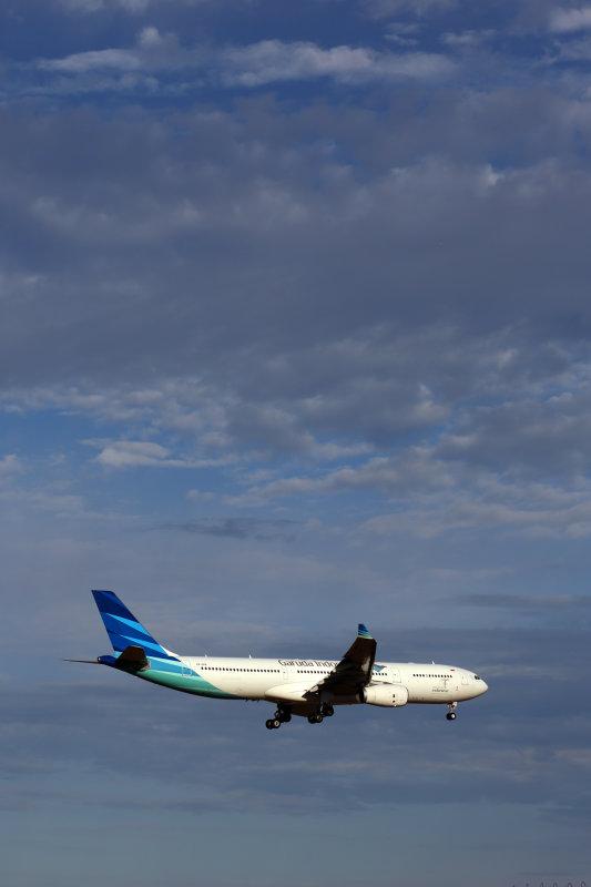 GARUDA INDONESIA AIRBUS A330 300 MEL RF 5K5A3467.jpg