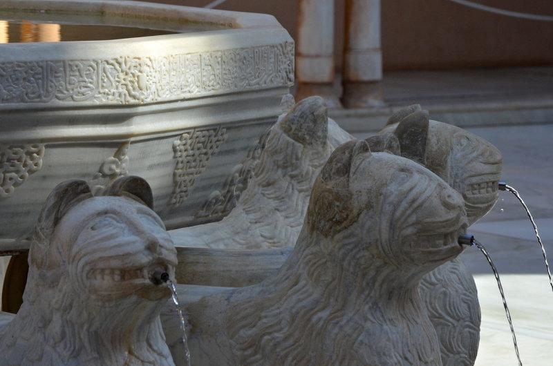 Lions Fountain - Detail