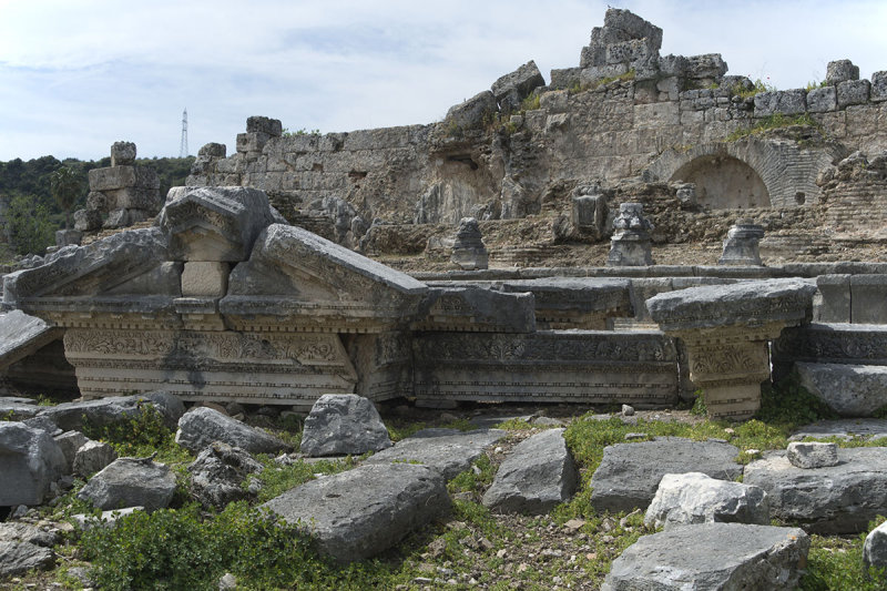 Perge Parts of Fountain march 2018 5962.jpg