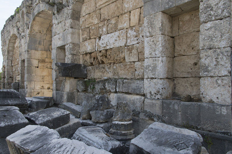 Perge Roman Gate march 2018 5924.jpg