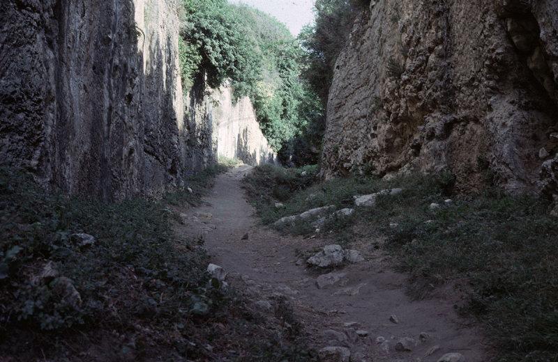 Antakya tunnel 2.jpg
